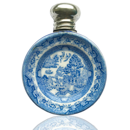 Late C19th Porcelain Willow Pattern Scent Perfume Bottle, Silver Top