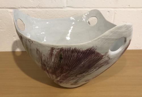 Triple hand hole bowl