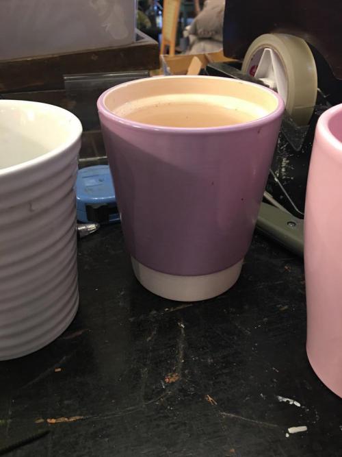 Pink/white pot