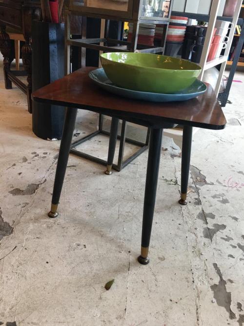Retro Black leg rotating coffee table