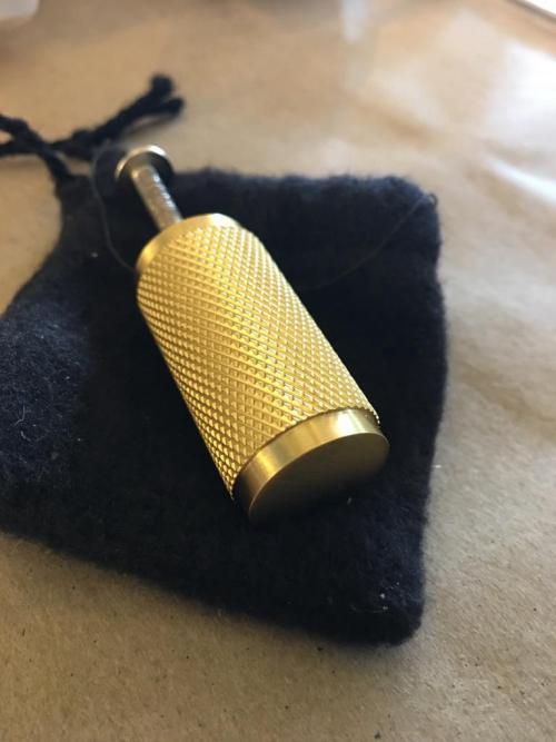 brass cylinder knob/pull - gold