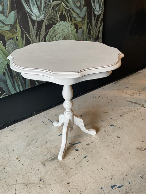 Inlay Table Painted with Vintro No Seal (Crystal)
