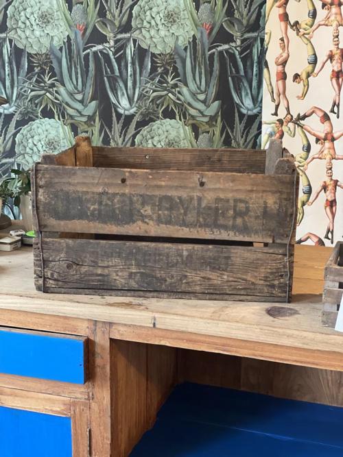 "Crate  ""West Mallind"""