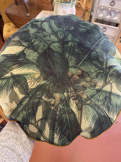 Round Palms