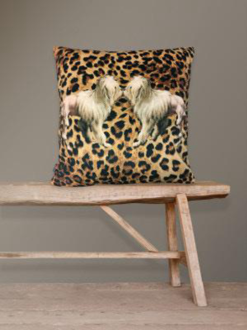 Vanilla Fly Cushion