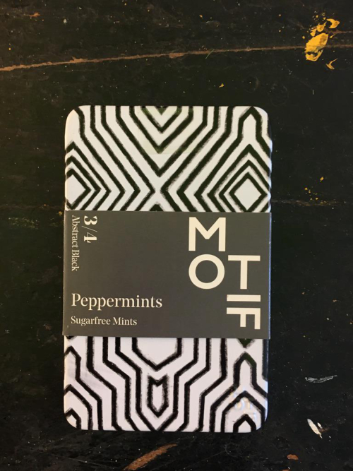 Motif Mints Abstract Black 3/4