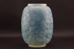 Monnaie du Pape opalsecent vase with blue staining