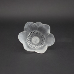 Rene Lalique Anemone ouverte flower paperweight