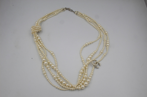 Chanel 2014 5 rangs fake pearls necklace