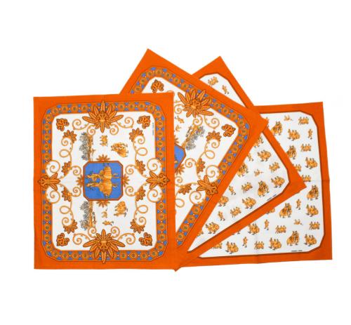 Hermes  4 table sets