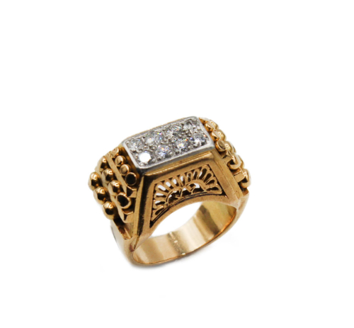 Vintage 1940's french gold ring  and diamonds