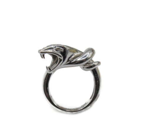 Boucheron Trouble white gold and diamonds ring