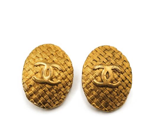 Chanel Vintage 90's logo earrings